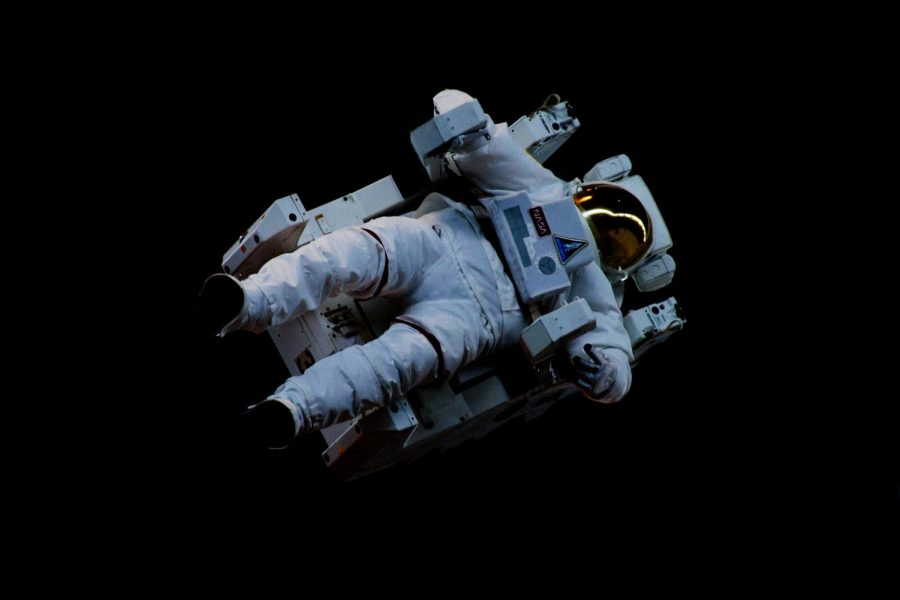 Astronaut's Delight: A Review of Project Hail Mary by Andy Weir